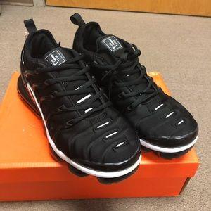 0763f756467 Nike. NIKE AIR MAX PLUS TN vapormax triple Black Sz 8.5. NWT.  165  220